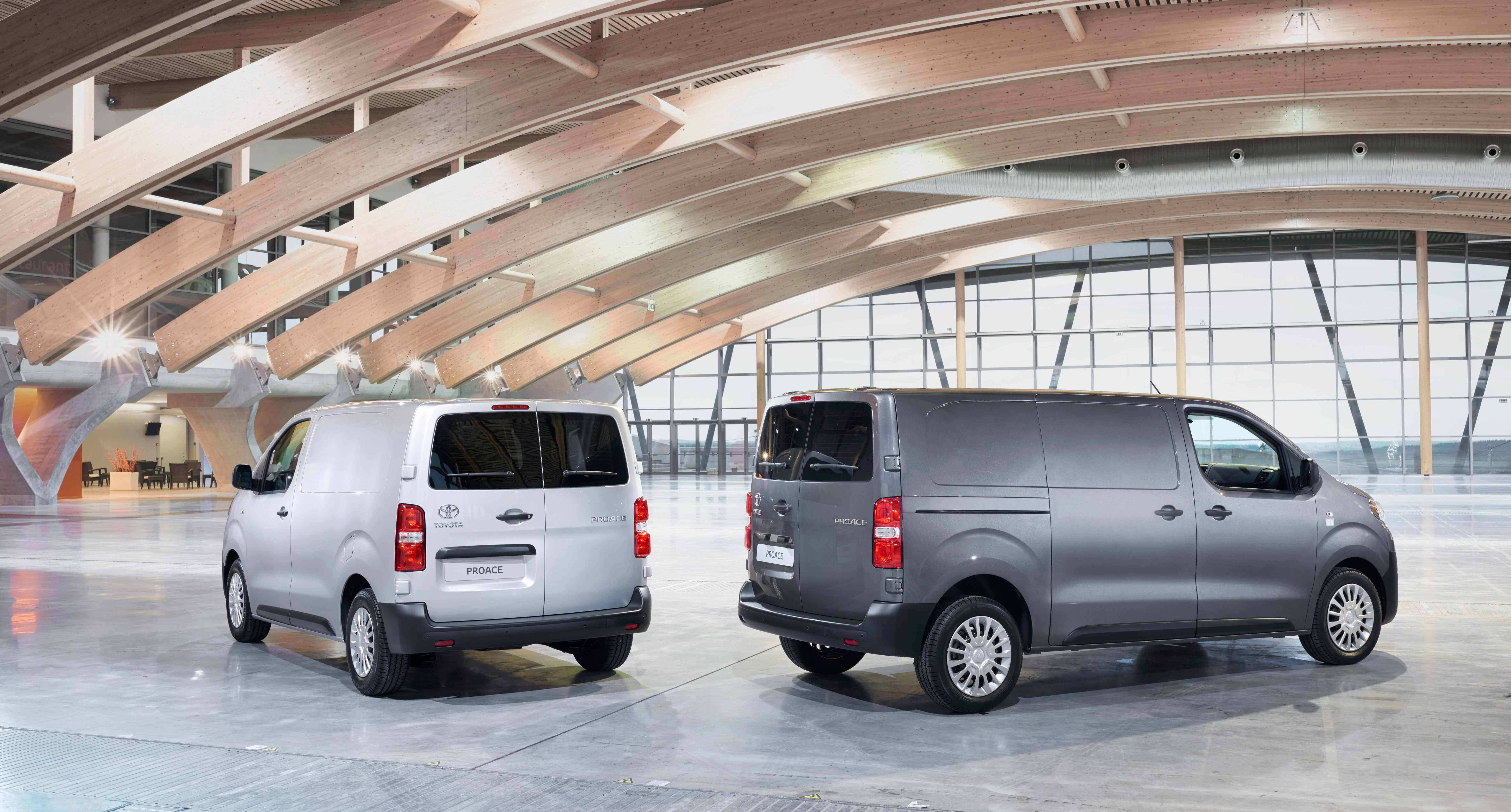 Proace Models Amp Features W R Davies Toyota Telford