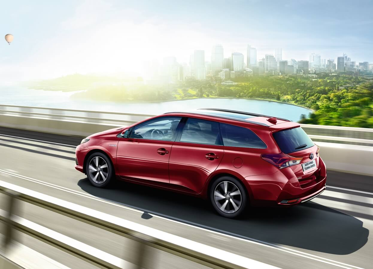Auris Touring Sports Models Amp Features W R Davies Toyota